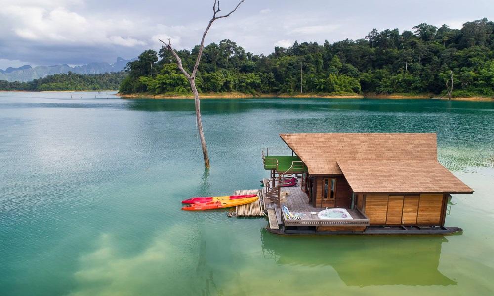 One-day tour to Cheow Lan lake in Khao Sok National Park, Koh Samui, Thailand