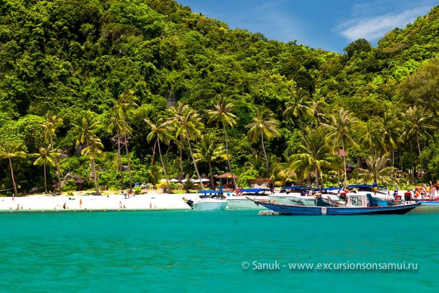 Speedboat tour to Angthong Marine Park, Koh Samui, Thailand