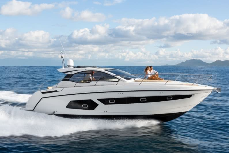 Private cruises on the yacht Azimut – Atlantis 43, Koh Samui, Thailand