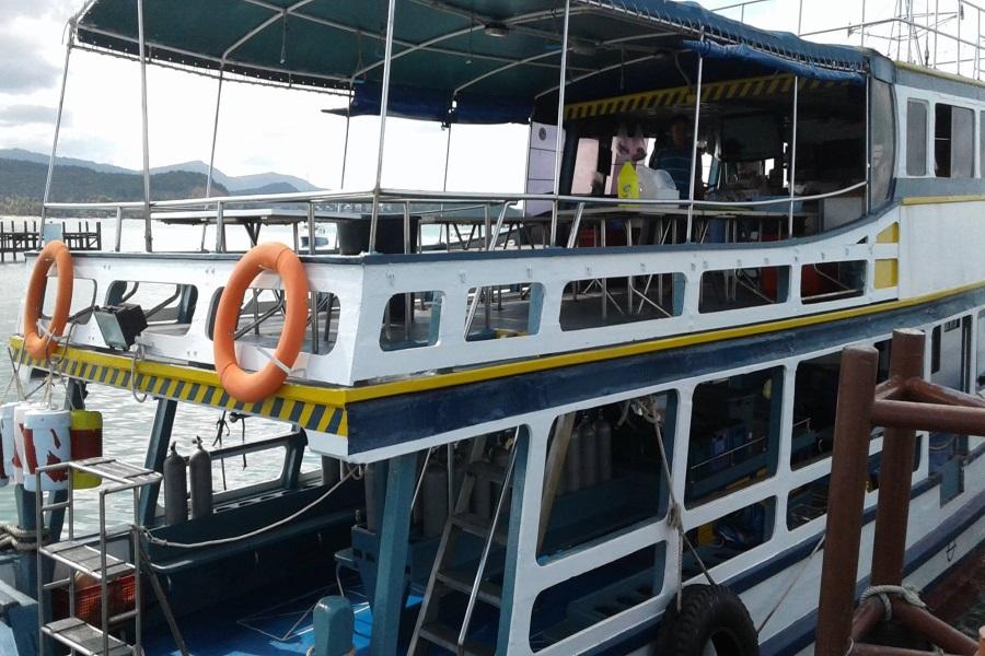 Diving tours on Big boat, Koh Samui, Thailand