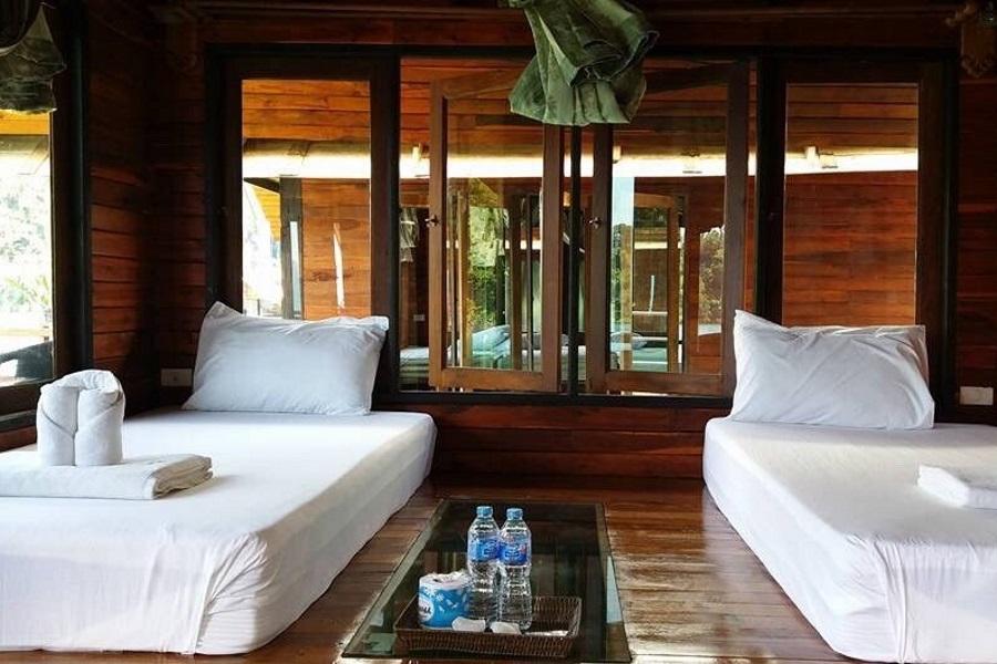 Overnight tour to Khaosok Lake, Koh Samui, Thailand