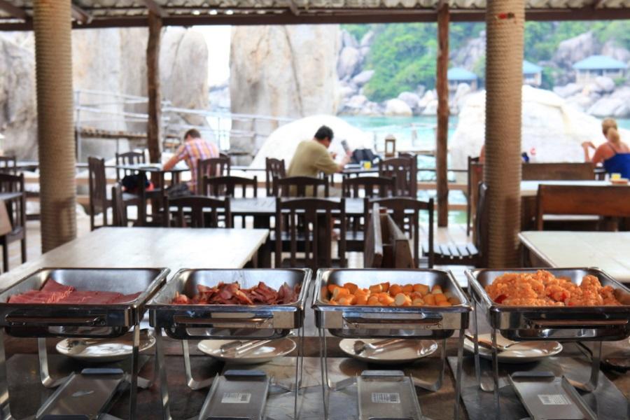 Romantic overnight at Koh Nang Yuan, Koh Samui, Thailand
