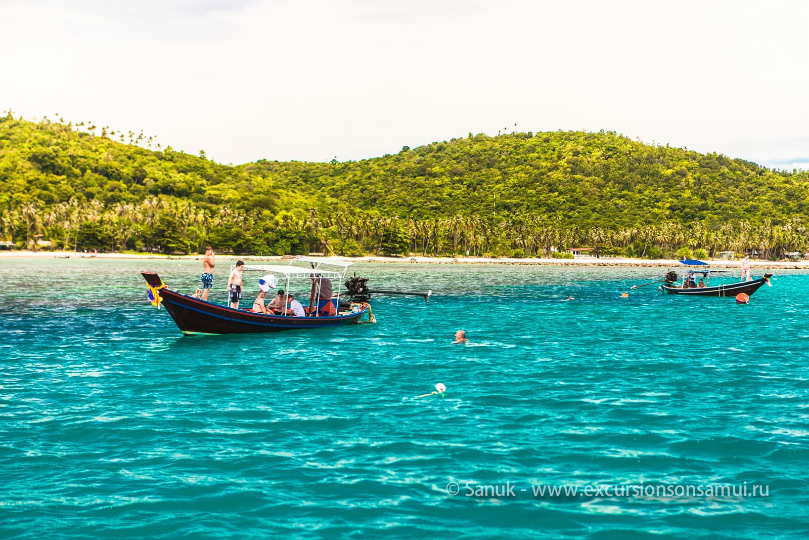 Kayaking and snorkeling in the waters of Koh Tan, Koh Samui, Thailand